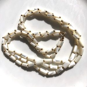 """Vintage Mother of Pearl Necklace 18"""" Triple Strand"""
